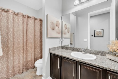 5008-Whistling-Wind-Ave--Kissimmee--FL-34758----25---Bathroom.jpg