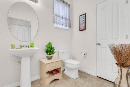 2719-Amanda-Kay-Way--Kissimmee--FL-34744----35---Bathroom.jpg