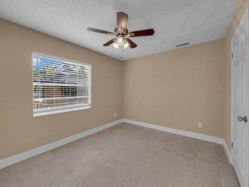 2000-Geigel-Ave--Orlando--FL-32806----15.jpg