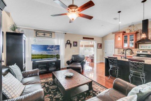 2251-Jessica-Ln--Kissimmee--FL-34744----07---Family-Room.jpg