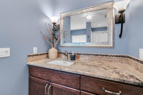 2251-Jessica-Ln--Kissimmee--FL-34744----20---Master-Bathroom.jpg