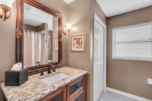 2251-Jessica-Ln--Kissimmee--FL-34744----24---Bathroom.jpg