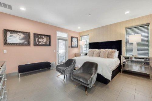 8725-Iron-Mountain-Trail--Windermere--FL-34786----25---Master-Bedroom.jpg