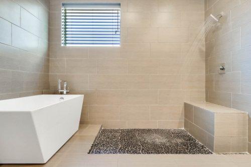 8725-Iron-Mountain-Trail--Windermere--FL-34786----28---Master-Bathroom.jpg