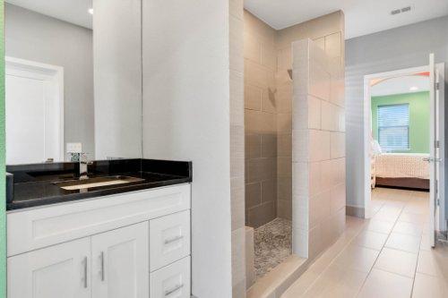 8725-Iron-Mountain-Trail--Windermere--FL-34786----35---Bathroom.jpg