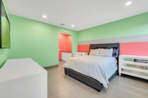 8725-Iron-Mountain-Trail--Windermere--FL-34786----36---Bedroom.jpg