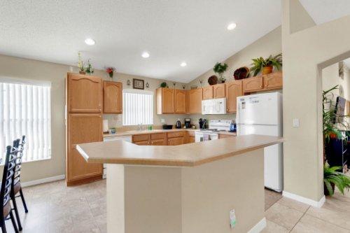 15935-Heron-Hill-St--Clermont--FL-34714----11---Kitchen.jpg