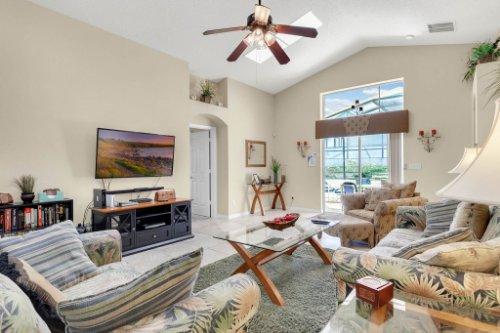 15935-Heron-Hill-St--Clermont--FL-34714----15---Family-Room.jpg