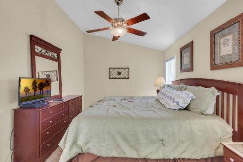 15935-Heron-Hill-St--Clermont--FL-34714----19---Master-Bedroom.jpg