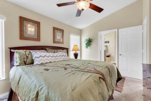 15935-Heron-Hill-St--Clermont--FL-34714----20---Master-Bedroom.jpg