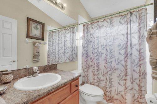 15935-Heron-Hill-St--Clermont--FL-34714----29---Bathroom.jpg