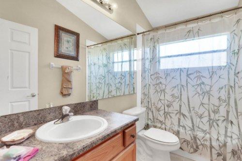 15935-Heron-Hill-St--Clermont--FL-34714----31---Bathroom.jpg