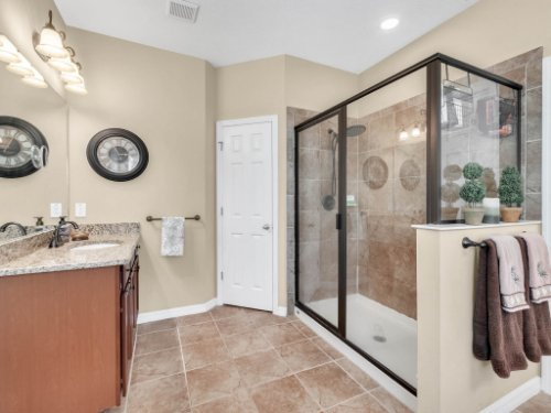 15128-Serenade-Dr--Winter-Garden--FL-34787----26---Master-Bathroom.jpg