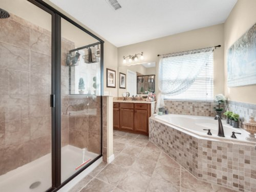 15128-Serenade-Dr--Winter-Garden--FL-34787----27---Master-Bathroom-copy.jpg