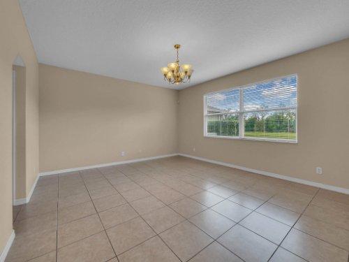 14748-Stonebriar-Way--Orlando--FL-32826----19.jpg