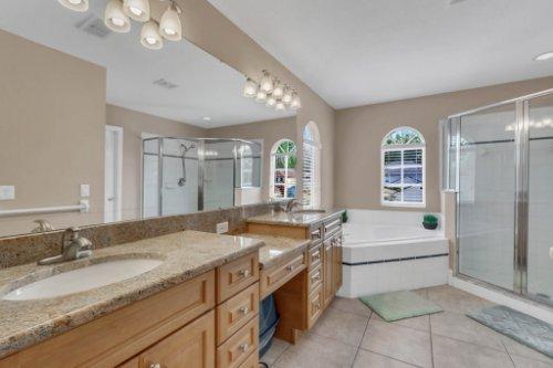 5028-Sweet-Leaf-Ct--Altamonte-Springs--FL-32714----24---Master-Bathroom.jpg