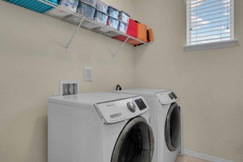 12279-Joshua-Tree-Trail--Windermere--FL-34786----23---Laundry.jpg