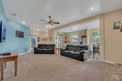 19309-Lake-Pickett-Rd--Orlando--FL-32820----07---Family-Room.jpg