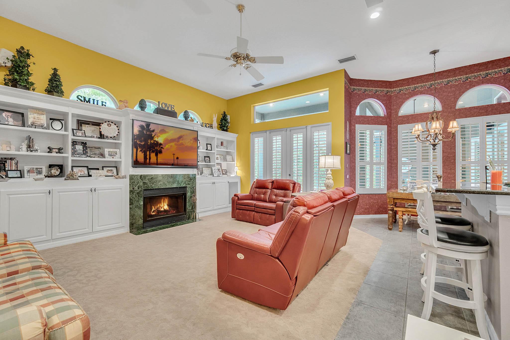 429-Fawn-Hill-Pl--Sanford--FL-32771----14---Family-Room.jpg