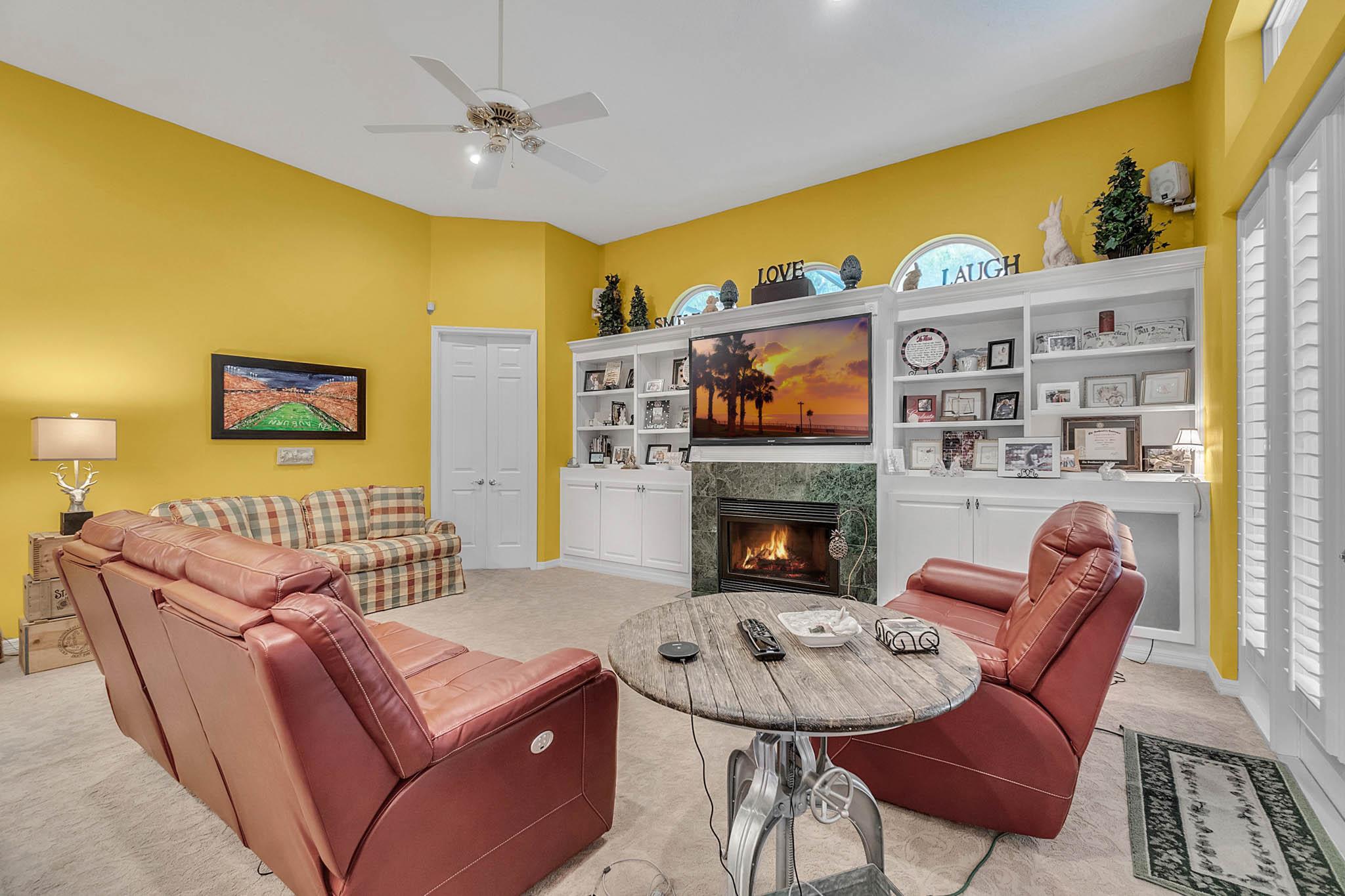 429-Fawn-Hill-Pl--Sanford--FL-32771----15---Family-Room.jpg