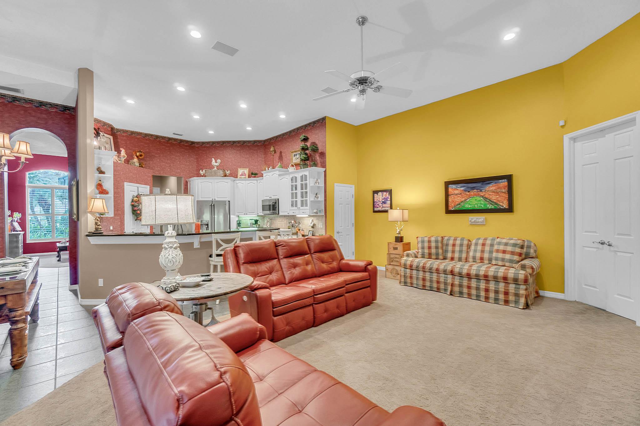 429-Fawn-Hill-Pl--Sanford--FL-32771----16---Family-Room.jpg