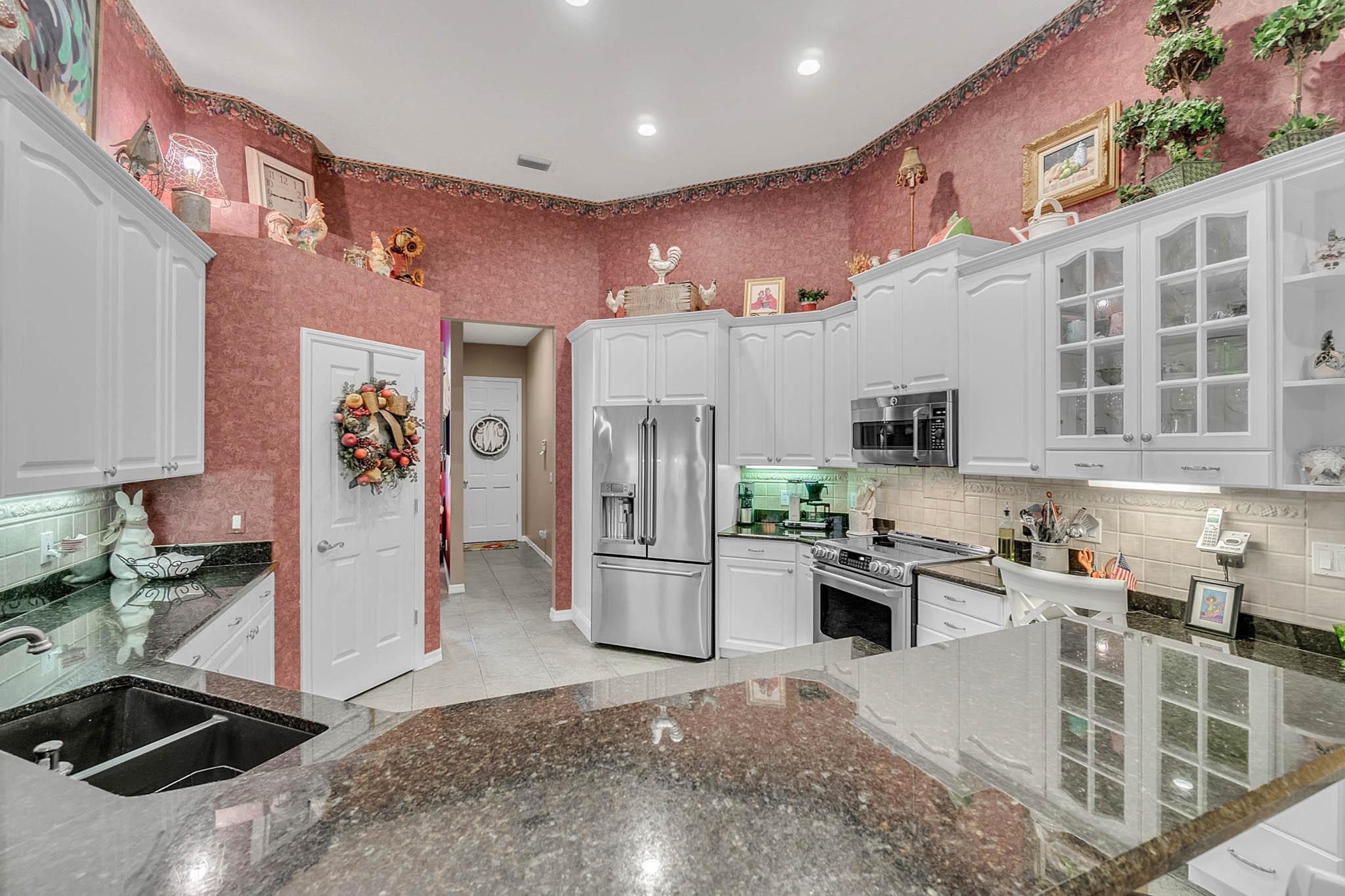 429-Fawn-Hill-Pl--Sanford--FL-32771----18---Kitchen.jpg