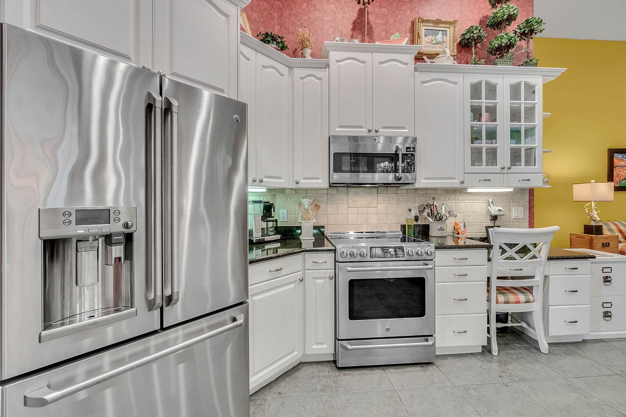 429-Fawn-Hill-Pl--Sanford--FL-32771----22---Kitchen.jpg