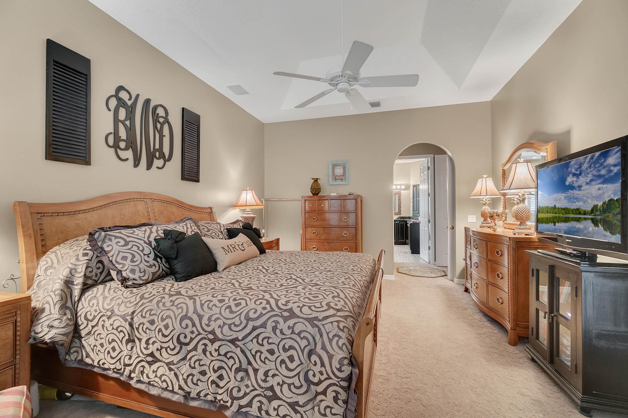 429-Fawn-Hill-Pl--Sanford--FL-32771----27---Master-Bedroom.jpg