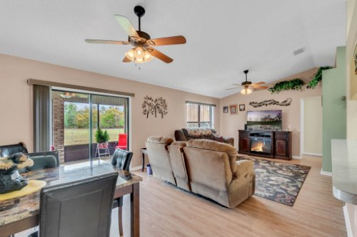 751-Brantly-Rd--Osteen--FL-32764----04---Family-Room.jpg