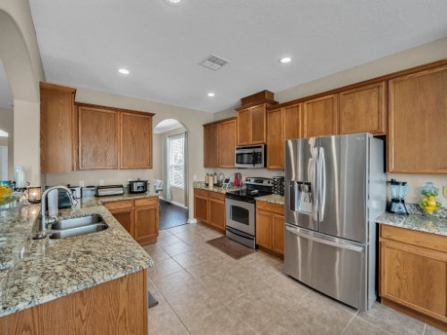 5549-Oakworth-Pl--Sanford--FL-32773----14---Kitchen.jpg