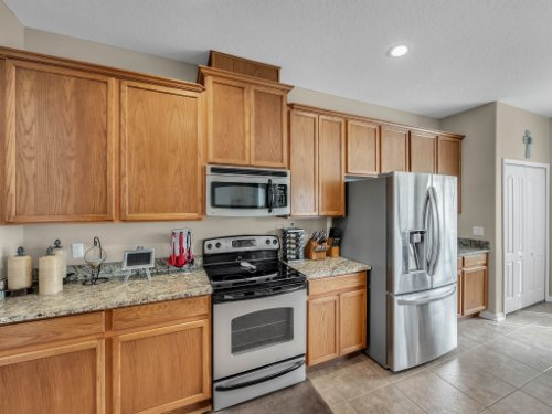5549-Oakworth-Pl--Sanford--FL-32773----15---Kitchen.jpg