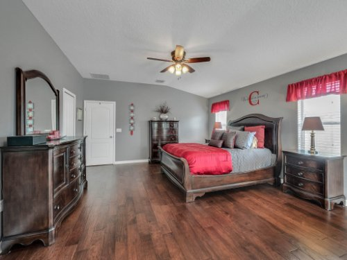 5549-Oakworth-Pl--Sanford--FL-32773----25---Master-Bedroom.jpg
