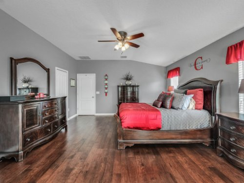 5549-Oakworth-Pl--Sanford--FL-32773----26---Master-Bedroom.jpg