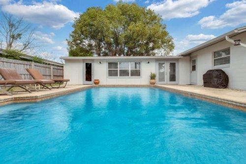 1812-Elsa-St--Orlando--FL-32806----04---Pool.jpg