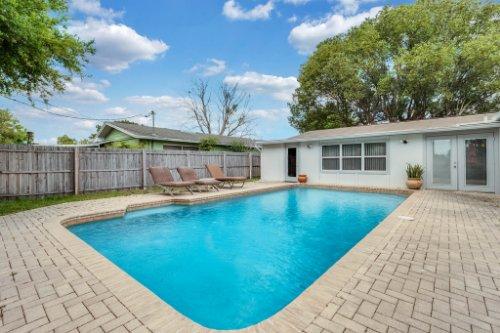 1812-Elsa-St--Orlando--FL-32806----05---Pool.jpg