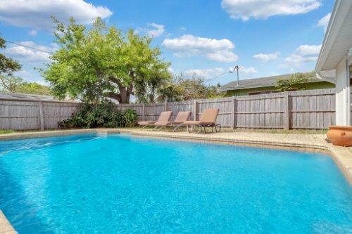 1812-Elsa-St--Orlando--FL-32806----07---Pool.jpg
