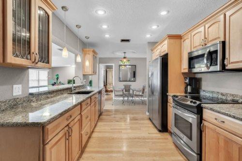 1812-Elsa-St--Orlando--FL-32806----19---Kitchen.jpg