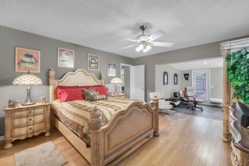 1812-Elsa-St--Orlando--FL-32806----26---Master-Bedroom.jpg