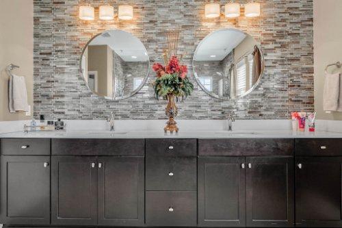 16002-Johns-Lake-Overlook-Dr--Winter-Garden--FL-34787----29---Master-Bathroom.jpg