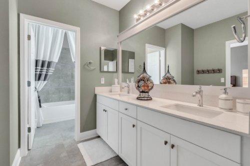 16002-Johns-Lake-Overlook-Dr--Winter-Garden--FL-34787----33---Bathroom.jpg