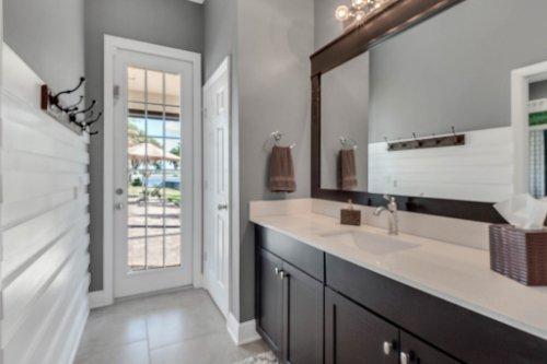 16002-Johns-Lake-Overlook-Dr--Winter-Garden--FL-34787----37---Bathroom.jpg