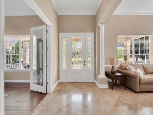 11325-N-Camden-Commons-Dr--Windermere--FL-34786----05---Foyer.jpg