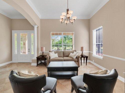 11325-N-Camden-Commons-Dr--Windermere--FL-34786----08---Living.jpg
