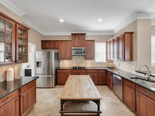 11325-N-Camden-Commons-Dr--Windermere--FL-34786----13---Kitchen.jpg