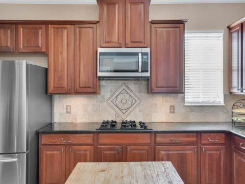 11325-N-Camden-Commons-Dr--Windermere--FL-34786----15---Kitchen.jpg