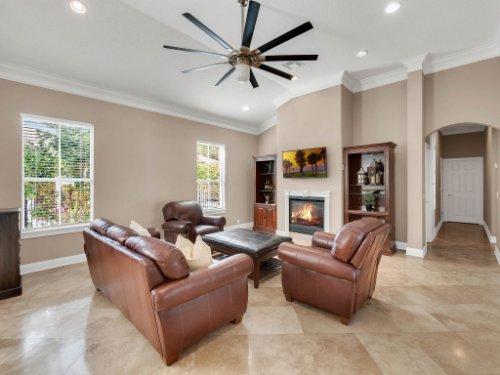 11325-N-Camden-Commons-Dr--Windermere--FL-34786----18---Family-Room.jpg