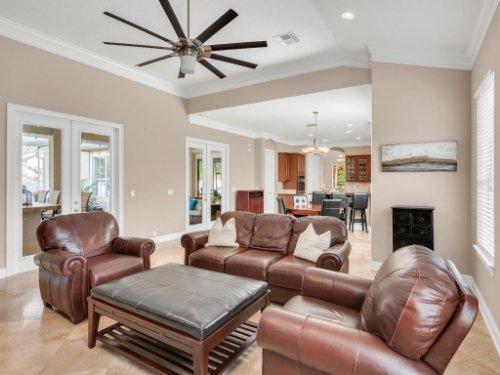 11325-N-Camden-Commons-Dr--Windermere--FL-34786----20---Family-Room.jpg