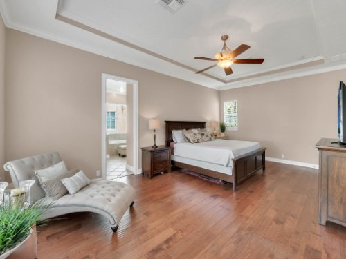 11325-N-Camden-Commons-Dr--Windermere--FL-34786----26---Master-Bedroom.jpg