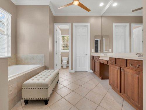 11325-N-Camden-Commons-Dr--Windermere--FL-34786----29---Master-Bathroom.jpg