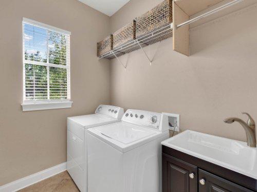 11325-N-Camden-Commons-Dr--Windermere--FL-34786----36---Laundry.jpg